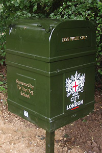 Tip Top Dog School sponsored dog bin on Hampstead Heath